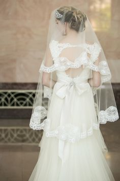 A wonderful bridal search isn't only about the marriage gown and marriage ceremony hairstyle, but wedding ceremony accessories are merely as vital including the marriage veil and headpiece. Bridal Veils And Headpieces, Wedding Veils, Wedding Bride, Wedding Hair, Wedding Stuff, Wedding Dresses, Beautiful Bridal Dresses, Gorgeous Wedding Dress, Downton Abbey