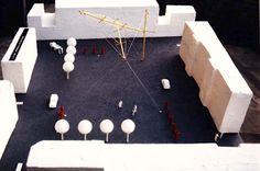 Winnend ontwerp met verplaatsbare publieksruimtes / tent en drie masten voor 3 pleinen -The Good, The Bad & The Ugly voor prijsvraag 10 jaar stadsvernieuwing te Rotterdam - 1985