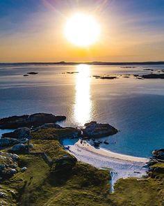 Connemara, Co. Connemara, Beautiful Love, Great Photos, Ireland, Tourism, Things To Do, Heaven, Sunset, Water