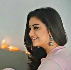 Bollywood Actress Bikini Photos, Beautiful Bollywood Actress, Most Beautiful Indian Actress, Beautiful Actresses, Cute Girl Poses, Cute Girls, Beauty Full Girl, Beauty Women, Hollywood Actress Photos