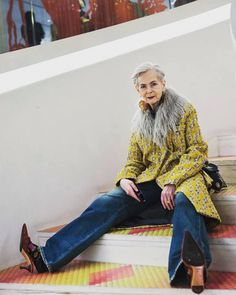 fashion over 60 aging gracefully over 50 Over 50 Womens Fashion, Fashion Over 50, Winter Fashion Outfits, Autumn Fashion, Fashion Boots, Accidental Icon, Fifties Fashion, Advanced Style, Advanced Beauty