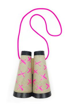 Recycled cardboard cones and duck tape play binoculars - pretend play prompt for kids // @mollymooblog
