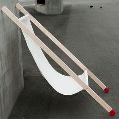 Curt est une chaise longue attractive grâce à la simplicité du dessin.