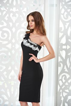 StarShinerS Distinctive Grace Black Dress, without clothing, one shoulder, bow accessory, lace details, pearl embellished details, elastic fabric