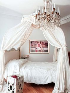 This super stylish apartment has been decorated by Spanish interior design firm Luzio, located in the district of Turó Park, in Barcelona, Spain. Cozy Bedroom, Dream Bedroom, Interiores Shabby Chic, Spanish Interior, Pink Bedrooms, Big Girl Rooms, Bedroom Styles, Dream Decor, Cool Rooms