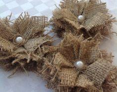 Hessian or burlap wreath por ShelsleyHerbsFlowers en Etsy