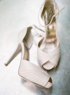 Elegant wedding shoes idea; photo: Silvana Di Franco