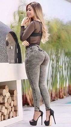 Superenge Jeans, Sexy Jeans, Curvy Women Fashion, Girl Fashion, Belle Nana, Mode Des Leggings, Looks Hip Hop, Pernas Sexy, Looks Pinterest