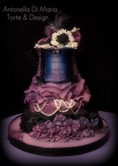 burlesque Halloween birthday cake By: ninettaduci Halloween Birthday Cakes, Halloween Wedding Cakes, Halloween Wedding Invitations, Halloween Parties, Pretty Cakes, Beautiful Cakes, Amazing Cakes, Crazy Cakes, Fancy Cakes