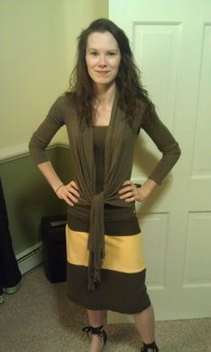 What can you do with old t-shirts  T's to skirt from http://the-dailyme.blogspot.com/2012/11/two-old-t-shirts-to-color-blocked-skirt.html#