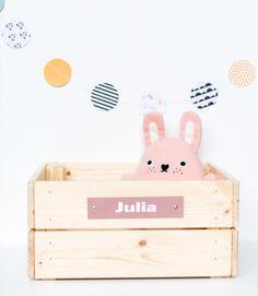Houten kistje met leren label