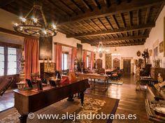 En el palacio de Gobiendes (#Colunga), uno de los espacios más impresionantes es el salón. #Asturias #rural