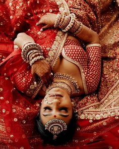 31 Gorgeous Bridal Poses To Save For A Tasteful Wedding Album
