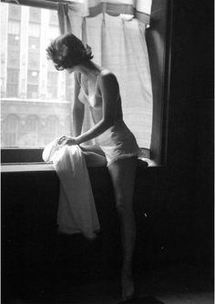 hollyhocksandtulips: Photo By Lillian Bassman, 1948
