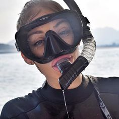 Amy Kitchingman: Give me a kiss 😆😆😆😆 I had so much fun snorkelling this week. I honestly was . Women's Diving, Diving Suit, David Beckham Suit, Dive Mask, Snorkel Mask, Scuba Girl, Mask Girl, Womens Wetsuit, Diving