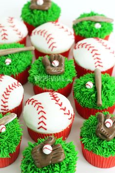 Worth Pinning: Major (or Little) League Baseball Cupcakes