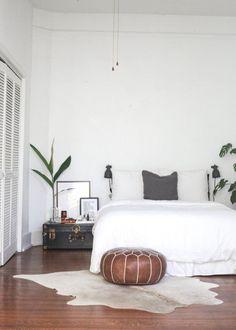 Beautiful Beds: Minimal – Au Lit Fine Linens #MinimalistBedroom