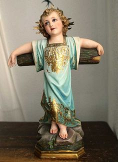 Etsy のYoung Jesus with Cross on the Rock Mountain Santos Religious Statue Child Jesus Christ Antique Spain / 337(ショップ名:GliciniaANTIQUE)