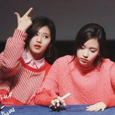 Dumb Sana and tired Mina Twice Jyp, Twice Once, Extended Play, Nayeon, Twice Photoshoot, Kobe Japan, Twice Korean, Sana Momo, Twice Sana