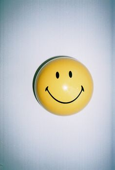 Inspired by Smiley. Happy Smile, Make Me Smile, Smiley Happy, Message Positif, Smile Wallpaper, Mellow Yellow, Are You Happy, Grunge, Balloons