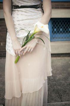 Alternative to bridesmaid's bouquet, single white or purple calla lily