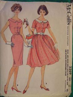Vintage round collared dress