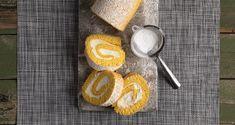 Κορμός λεμονιού με τυρί κρέμα από τον Άκη Πετρετζίκη. Φτιάξτε ένα νόστιμο και ανάλαφρο παντεσπάνι και γεμίστε με βελούδινη κρέμα λεμονιού! Rolls, Sweets, Cooking, Desserts, Greek, Xmas, Bakken, Kitchen, Tailgate Desserts