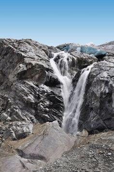 Natural Showers in Switzerland, natural shower near Morteratsch Glacier in Pontresina