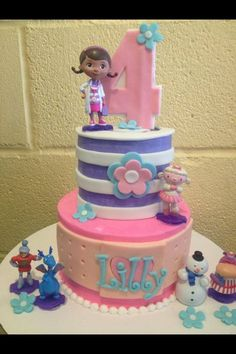 Piper wants this Doc McStuffins cake with the ruffles on the bottom layer. Doc Mcstuffins Cake, Doc Mcstuffins Birthday Party, Gateaux Cake, Birthday Cake Girls, 3rd Birthday, Birthday Cakes, Birthday Ideas, Character Cakes, Disney Cakes