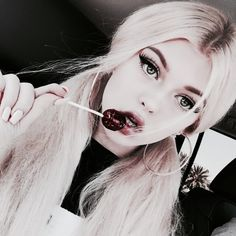 Find images and videos about hair, icon and theme on We Heart It - the app to get lost in what you love. Loren Grey, Silver Blonde, Western Girl, Uzzlang Girl, Fantasy Hair, Emo Hair, Girl Photo Poses, Just Girl Things, Pretty Eyes