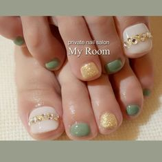 This could be done with any combination of colors Gorgeous Nails, Love Nails, Pretty Nails, Pedicure Designs, Toe Nail Designs, Feet Nail Design, Uñas Fashion, Feet Nails, Japanese Nails