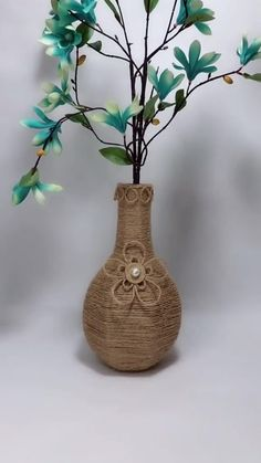 Diy Crafts For Home Decor, Diy Crafts For Gifts, Diy Arts And Crafts, Wall Decor Crafts, Handmade Crafts, Paper Flowers Craft, Diy Flowers, Flower Pots, Cardboard Crafts