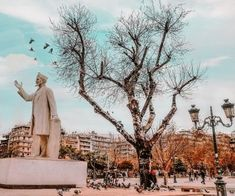 A comprehensive guide of what to do in Thessaloniki, where to go, where to eat, and where to stay. Explore the highlights of Thessaloniki. Stuff To Do, Things To Do, Political Events, Turkey Travel, Waterfront Homes, Thessaloniki, Beautiful Architecture, Stunning View, Greece Travel