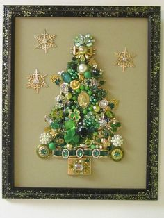 VINTAGE FRAMED JEWELRY CHRISTMAS TREE IRISH SHAMROCKS RHINESTONES CAMEO