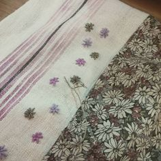 #Embroidery#stitch#needlework#Hamp Linen  #프랑스자수#일산프랑스자수#자수 #햄프린넨 #또 무언가를 만들어본다~~