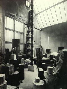 view of the Studio, Colonnes sans Fin, 1925