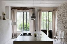 Old and modern, the best compromise in interior design !