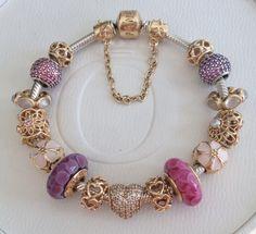 Afbeeldingsresultaat voor pandora gold bracelet with murano Pandora Gold, Pandora Rings, Pandora Jewelry, Jewelry Art, Jewelry Accessories, Jewellery, Mommy Jewelry, Pandora Bracelet Charms, Fashion Bracelets
