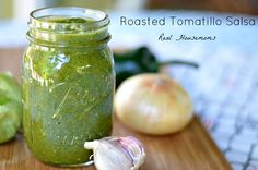 Roasted Tomatillo Salsa is full of flavor and generally has a low to medium heat level. Roasting the veggies before blending them together makes the flavor unbelievable! Tomitillo Recipes, Mexican Food Recipes, Great Recipes, Vegan Recipes, Cooking Recipes, Favorite Recipes, Recipies, Ethnic Recipes, Pickling
