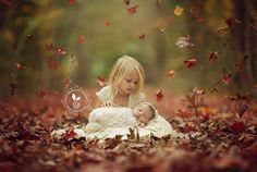 19 Ideas Baby Pictures Fall Newborn Photos For 2019 Fall Newborn Pictures, Newborn Sibling Pictures, Fall Family Pictures, Fall Photos, Sibling Poses, Maternity Pictures, Newborn Halloween, Baby First Halloween, Halloween Costumes