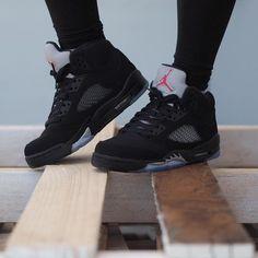 Christy Thomas✨ Air Jordan 5 Retro Black Metallic 5 Steps to Take into consideration Jordan Shoes Girls, Jordans Girls, Air Jordan Shoes, Girls Shoes, Air Jordans, Black Jordans, Shoes Men, Retro Jordans, Kd Shoes