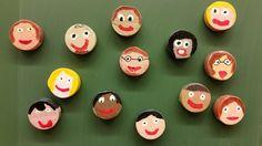 Isänpäivälahja: Ekaluokkalaiset sahasivat n.1 cm paksut pätkät 4,5 cm leveästä pyörölistasta ja hioivat, maalasivat pullomaaleilla, piirsivät lyijykynällä silmät yms. sekä liimalakkasivat ne. Lopuksi liimasivat magneetit toiselle puolelle. (Alkuopettajat FB -sivustosta / Tiia Kekkonen) Summer Crafts, Crafts For Kids, Cool Kids, Holiday Decor, Fun, Gifts, Crafts For Children, Kids Arts And Crafts, Kid Crafts