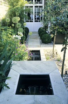 London garden designer Charlotte Rowe  // Great Gardens & Ideas //