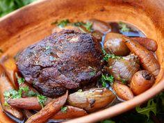 Nysäters stek i lergryta Pot Roast, Stew, Slow Cooker, Food And Drink, Pork, Dessert, Meat, Dinner, Ethnic Recipes