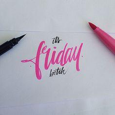 Une très belle série de créations typographique réalisées avec un pinceau. Ce lettering, haut en couleur, donne un sens aux créations simple de jeux de typ
