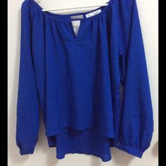 Hy and Dot long sleeve blouse blue size Small 100% polyester , excellent condition Hy and dot Tops Tees - Long Sleeve