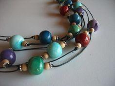 Collana con perle in ceramica di NidaTerraELana su Etsy, €57.00