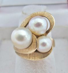 Vintage 14K Yellow Gold Ring with 9mm, 8mm & 7mm White Pearls (9.5g, size 6.25)