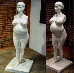 Pregnant Kim Kardashian in the Nude? Well, Sort Of…