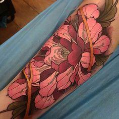 @elliottwells666 ____________________ #artist#arts#tattooart#tattoo#tattoos#tattooed#tattooartist#art#artwork#armtattoo#sleevetattoo#neotraditionaltattoo#traditionaltattoo#traditional#neotraditional#tatuaje#ink#inked#flowers#flowertattoo#illustration#tattooist#colortattoo#tattoolife#tattoodesign#linework#lineart#bodyart#tattooing#tattooer